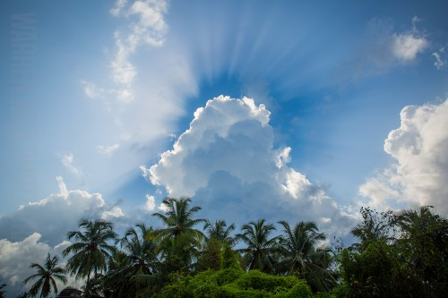 Crazy sunburst images from Mapusa, Goa!